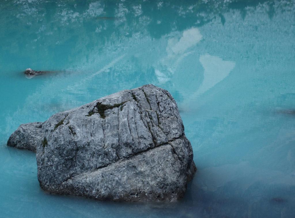Fast unnatürlich: die milchig-türkisene Farbe des Sorapiss Sees