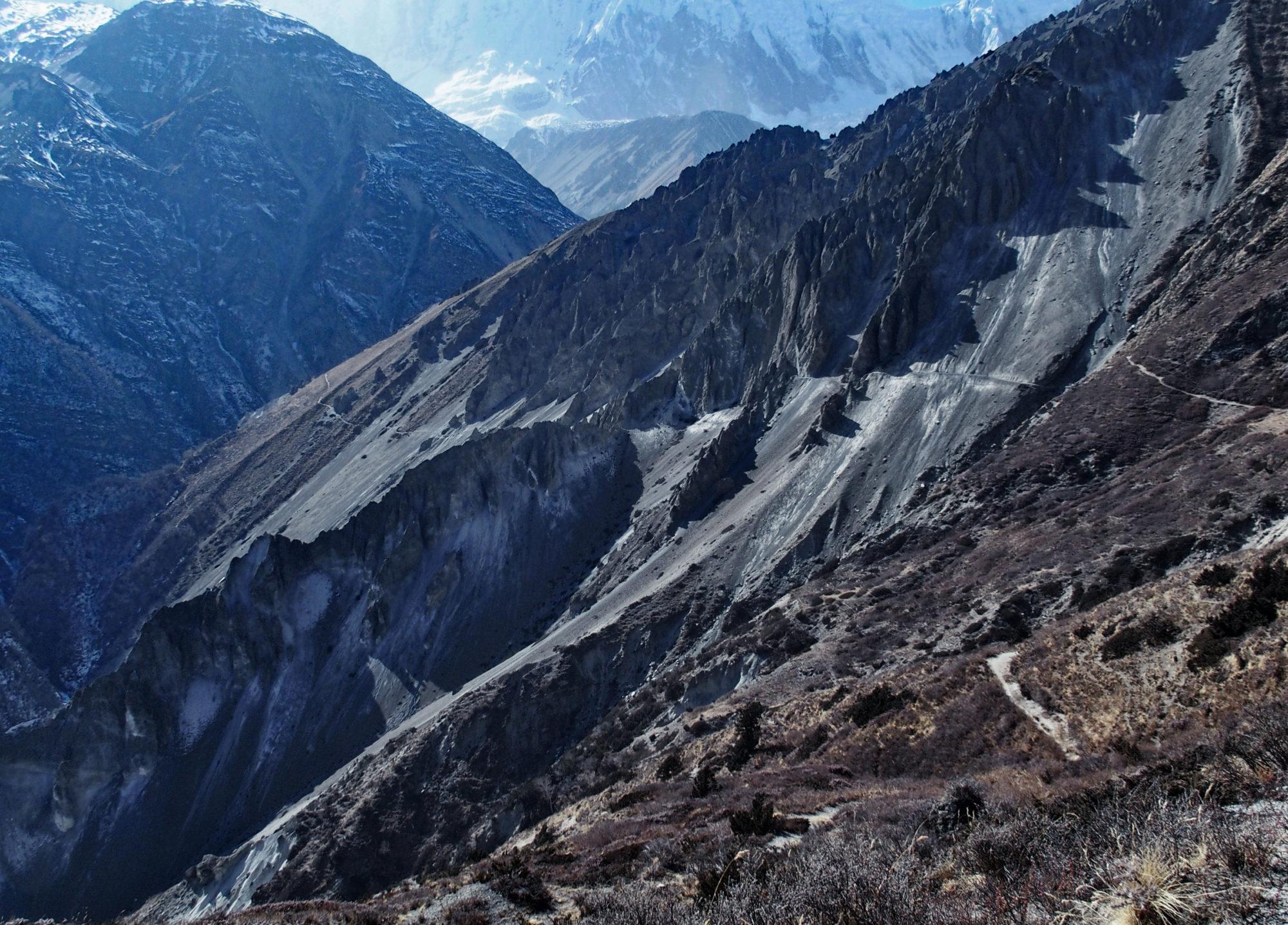 Annapurna Circuit Trekking: Etwas furchteinflößender Weg zum Tilicho Base Camp