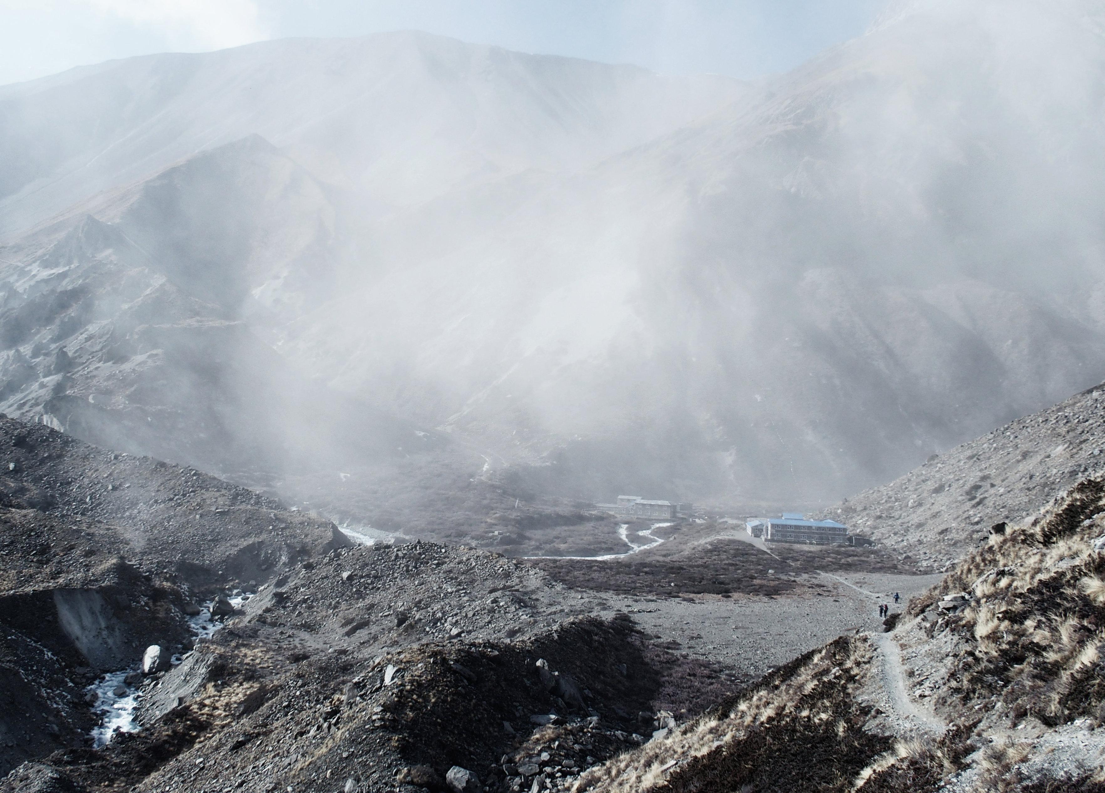 Kleiner Sandsturm vor dem Tilicho Base Camp
