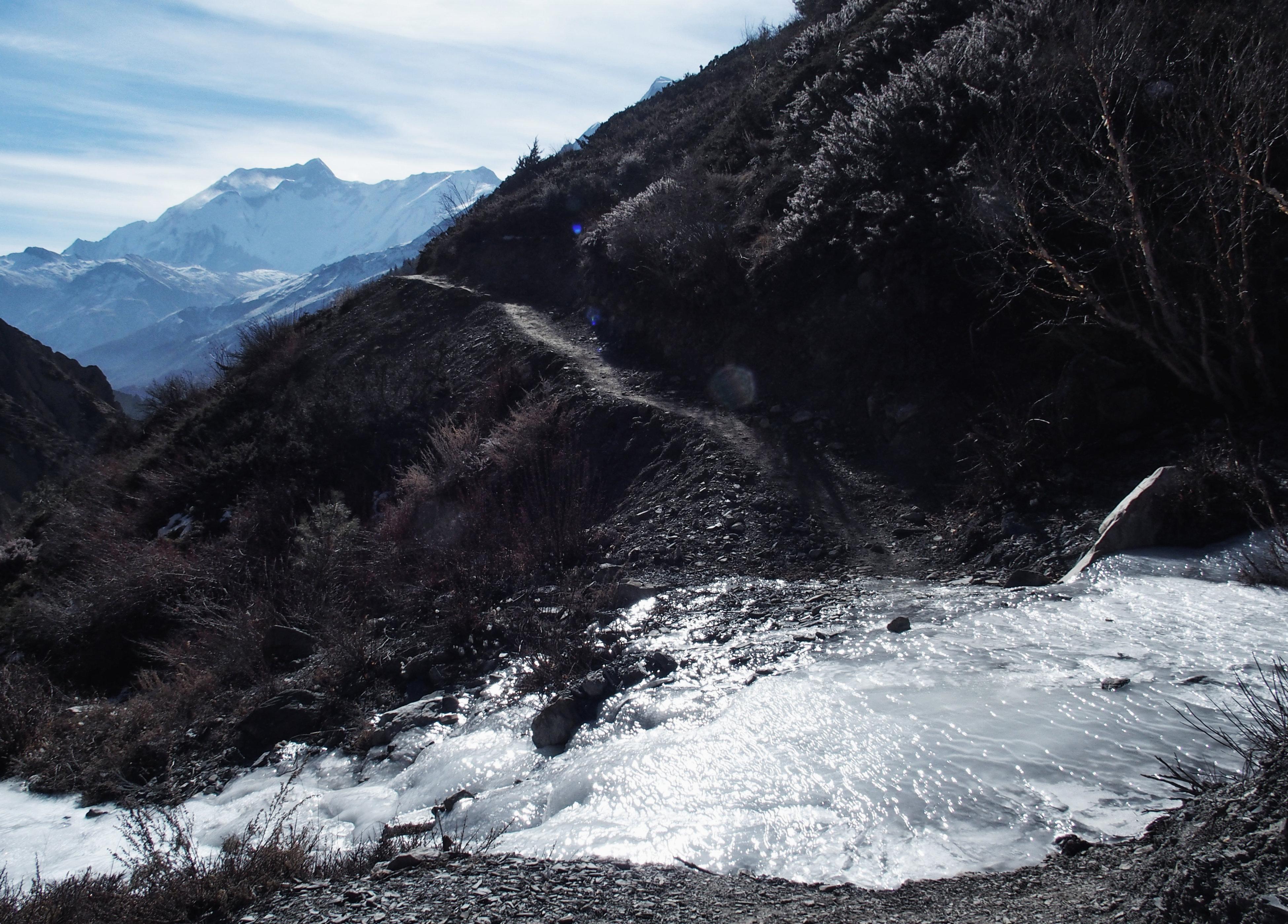 Eis auf dem Trail - Annapurna Circuit Trekking