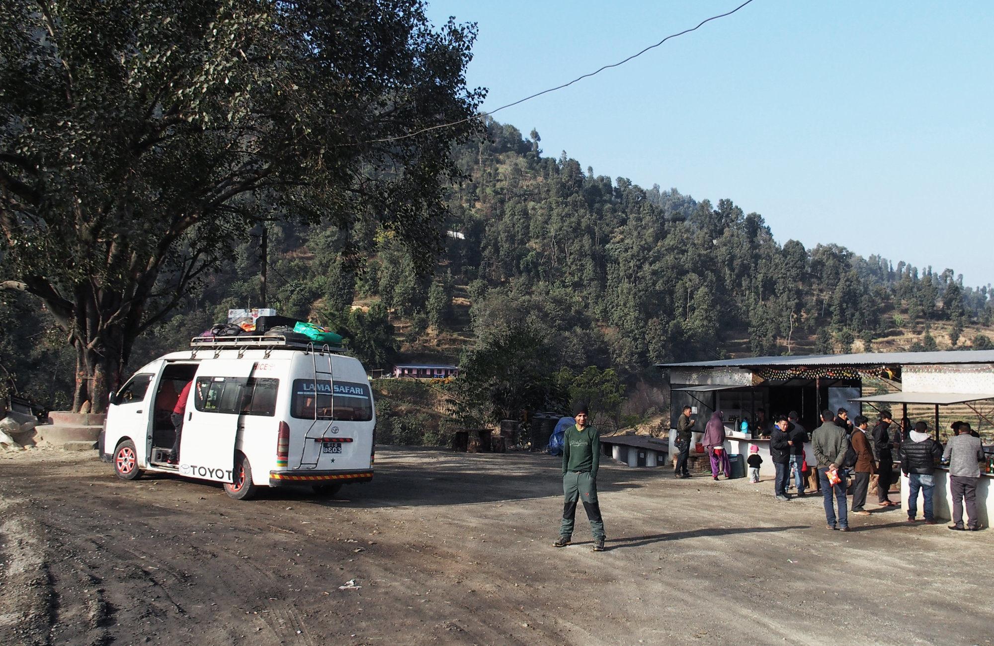 Minibus auf dem Weg nach Besisahar