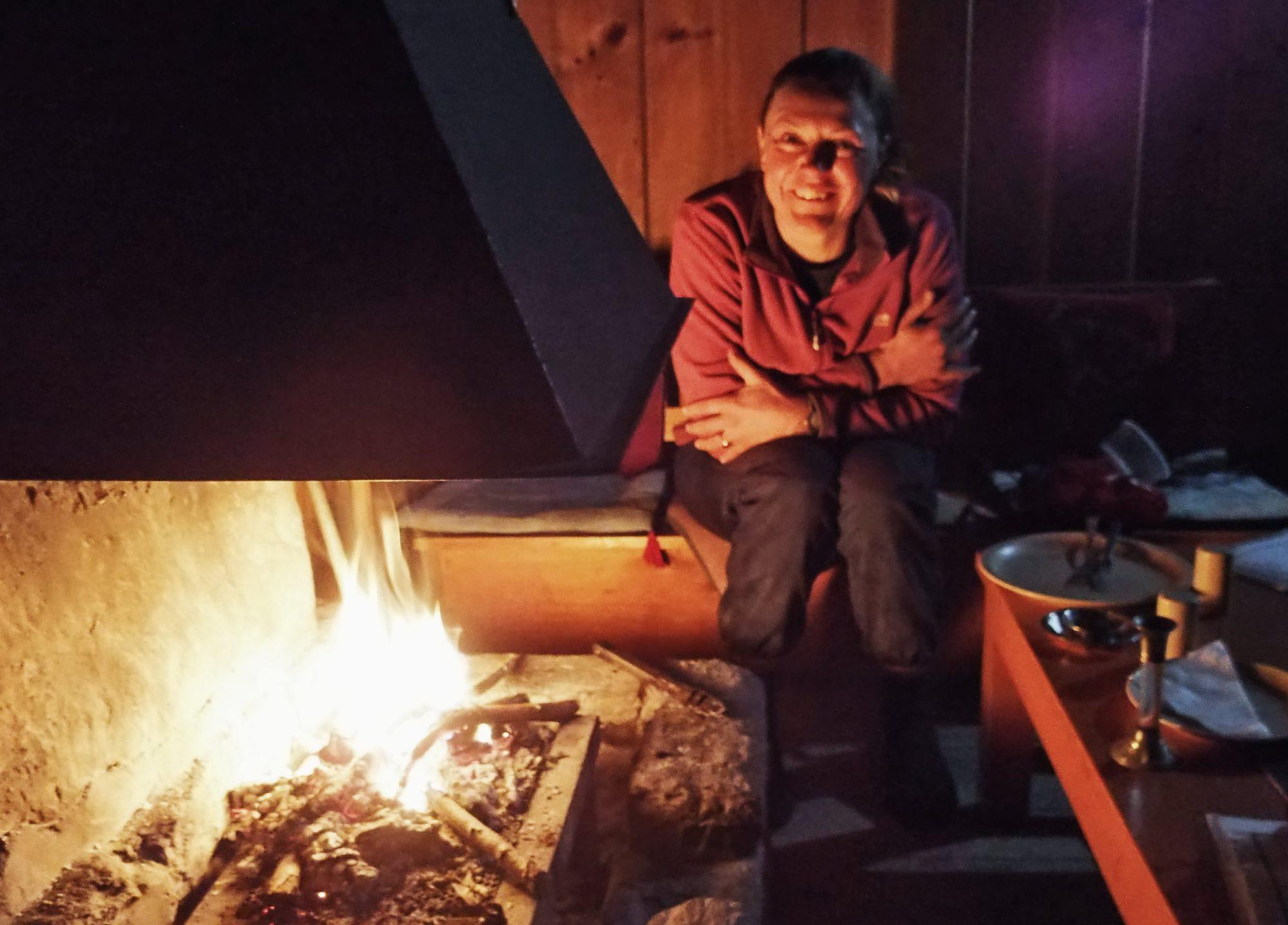 Dutch Bakery - Sitzen am Feuer in Tukuche