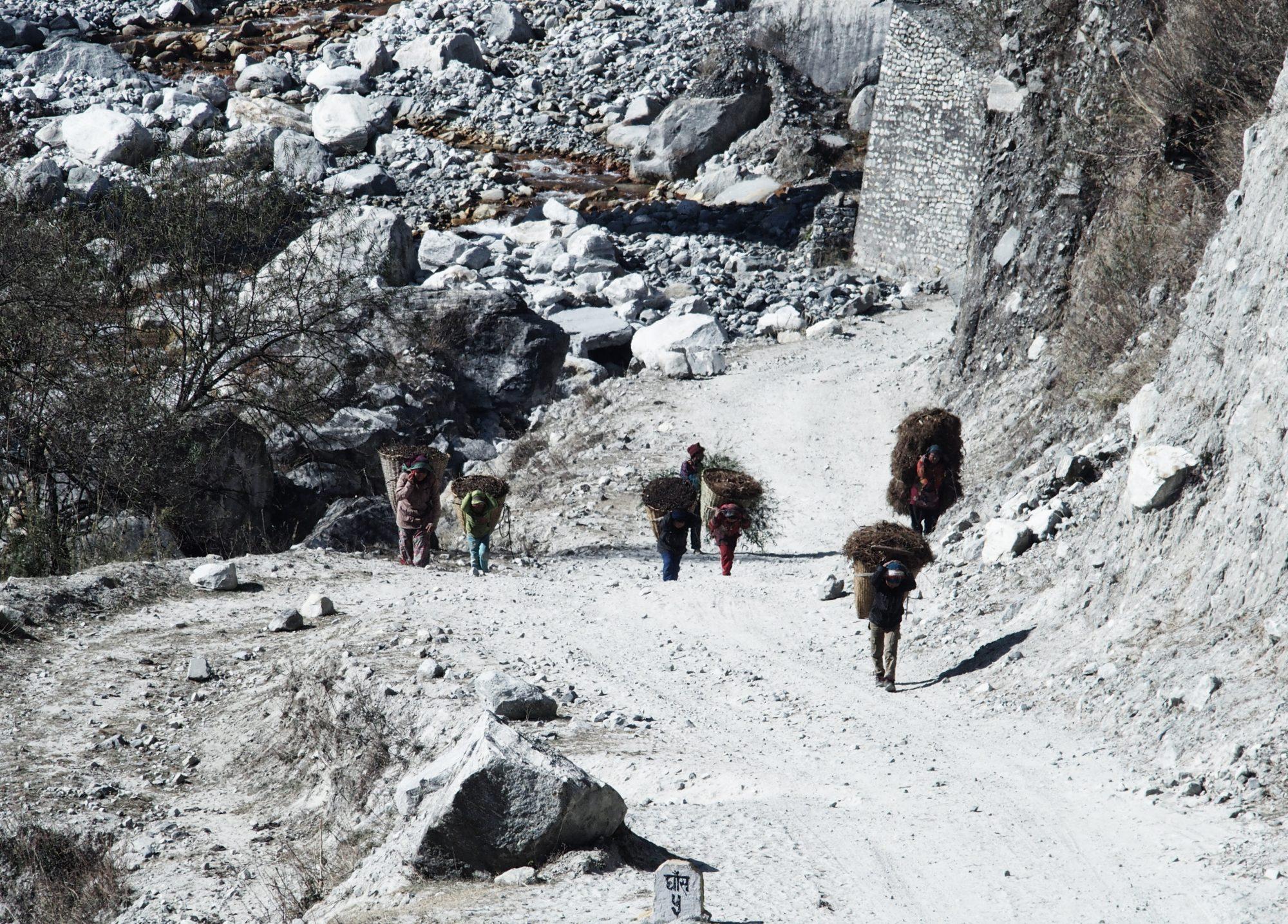 Arbeiter auf dem Annapurna Circuit Trail