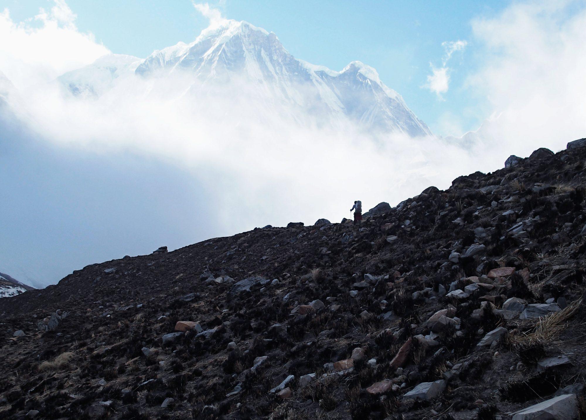 Steiniger Weg zum Annapurna Base Camp