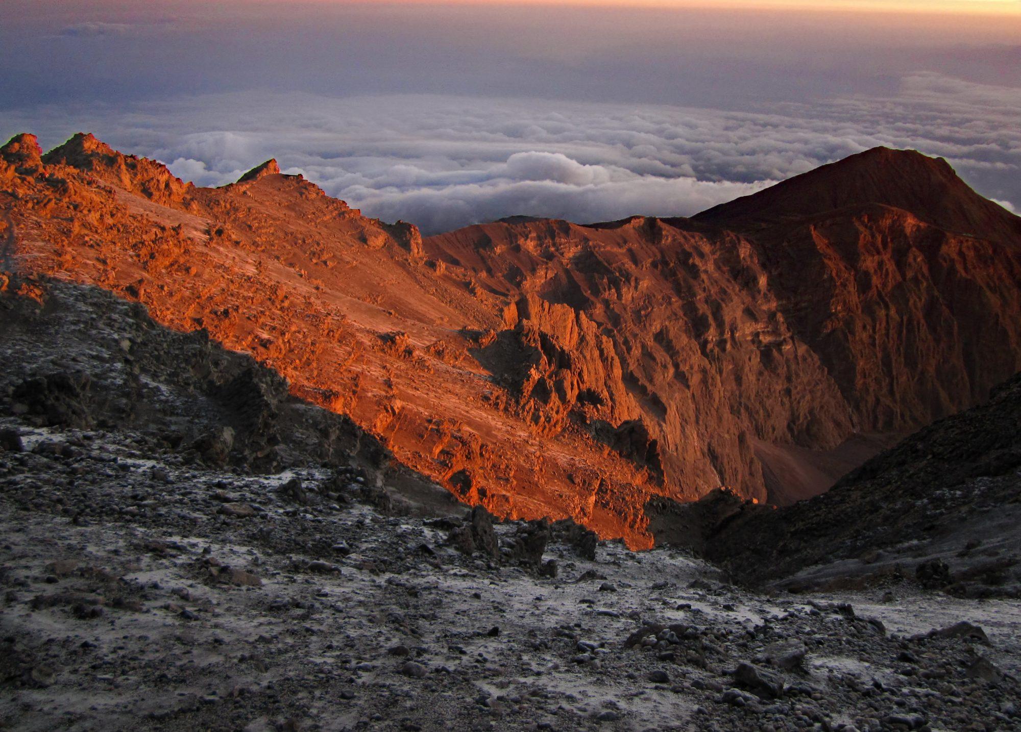Bergglühen am Mount Meru, Mount Meru Besteigung, Tour, Erfahrungsbericht, Afrika, Tansania, Bergtour