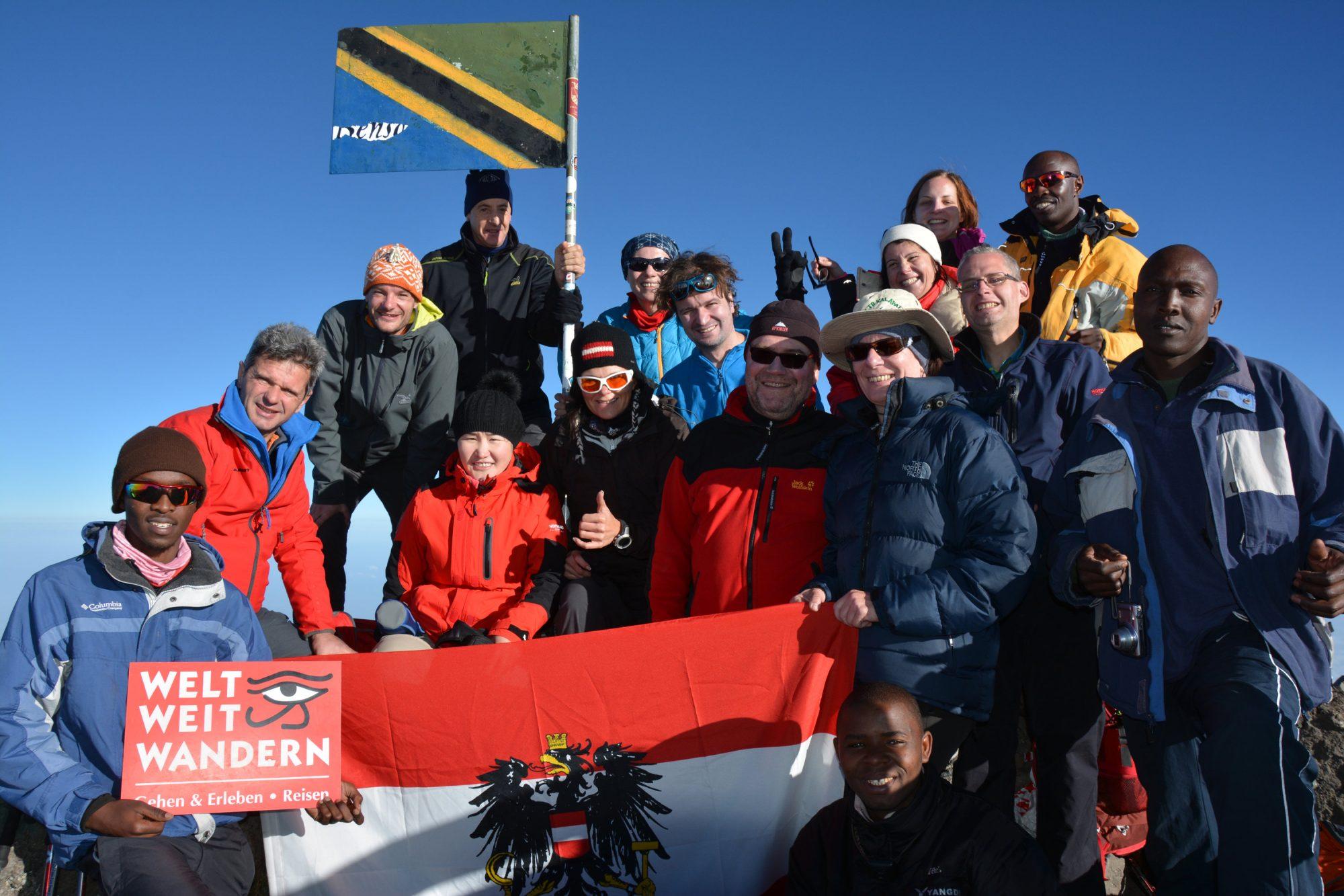 Gipfelfoto am Mount Meru, Mount Meru Besteigung, Tour, Erfahrungsbericht, Afrika, Tansania, Bergtour