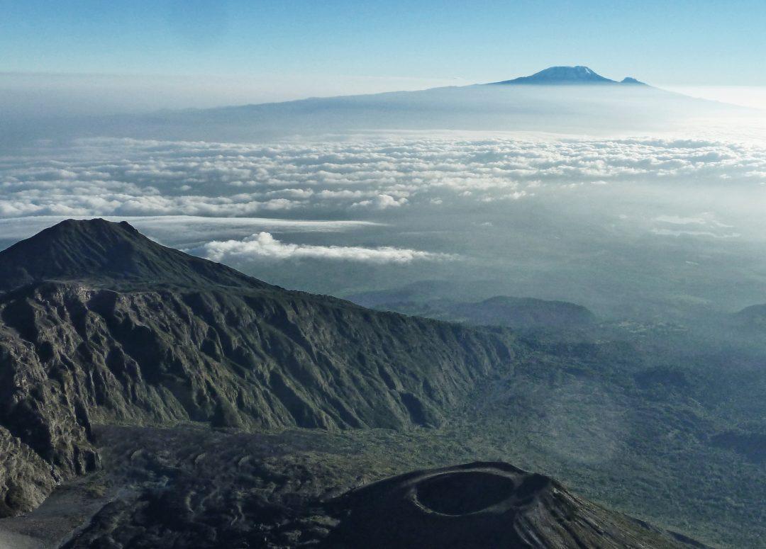 Blick vom Mount Meru auf den Kilimandscharo, Mount Meru Besteigung, Tour, Erfahrungsbericht, Afrika, Tansania, Bergtour