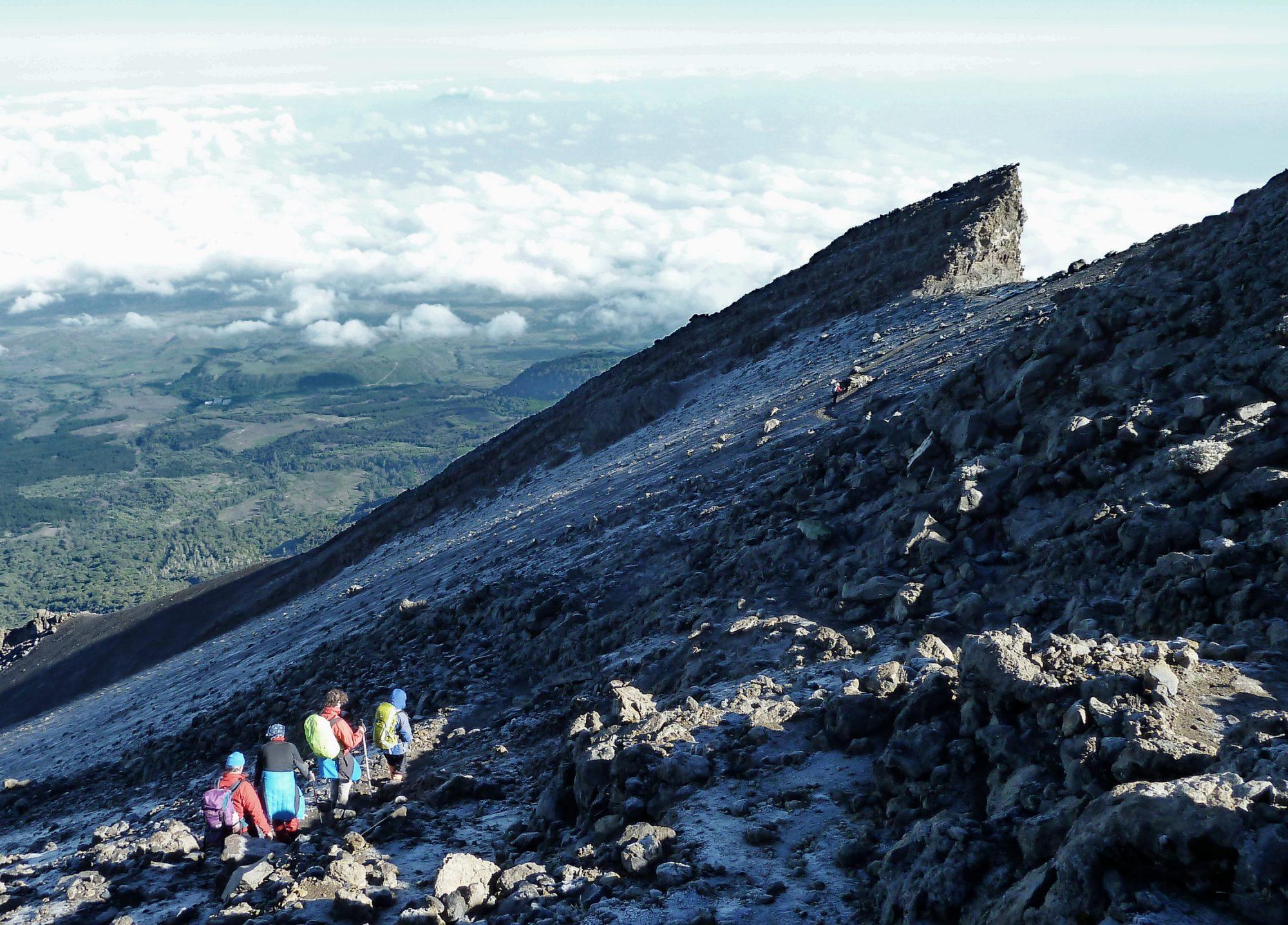 Gratwanderung am Mount Meru, Mount Meru Besteigung, Tour, Erfahrungsbericht, Afrika, Tansania, Bergtour