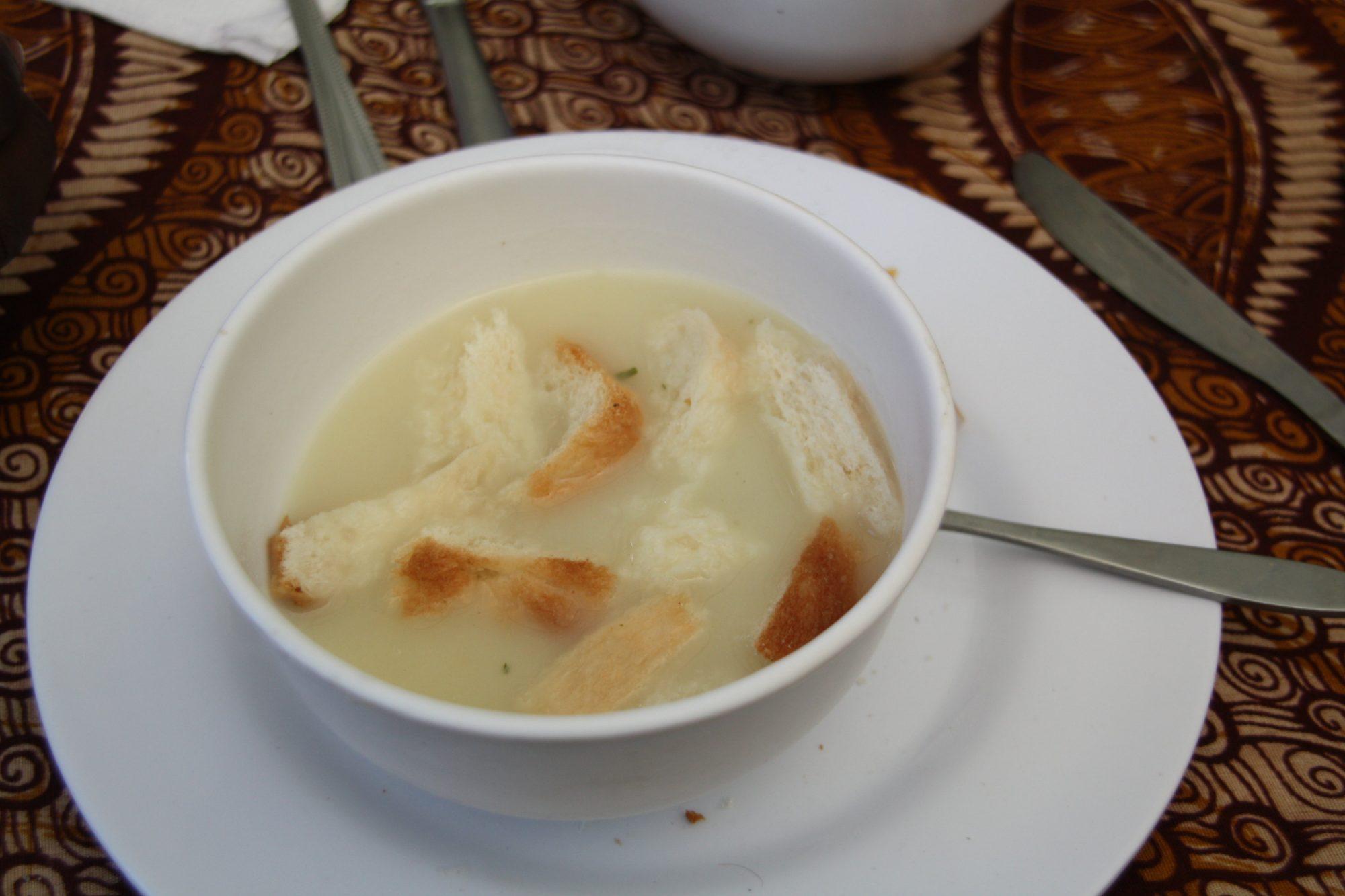 Mittagessen, Suppe, Kilimandscharo, Kilimandscharo besteigen, Tansania, Afrika, Kilimandscharo Tour, Erfahrungsbericht, Machame Route