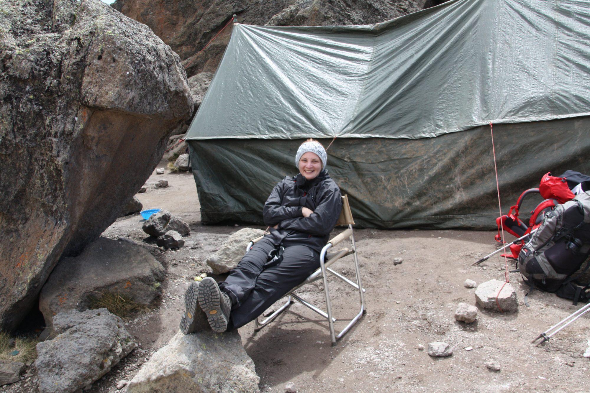 Pause mit Essenszelt, Kilimandscharo, Kilimandscharo besteigen, Tansania, Afrika, Kilimandscharo Tour, Erfahrungsbericht, Machame Route