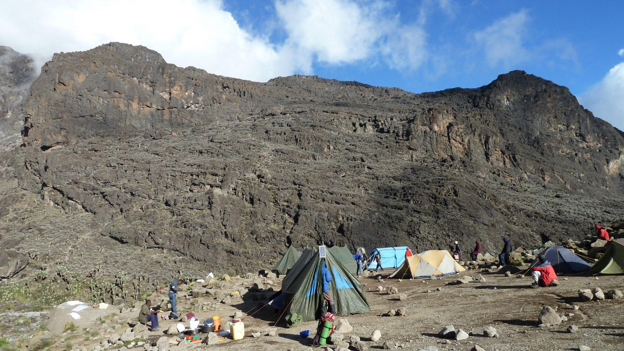 Blick auf die Breakfast Wall, Kilimandscharo, Kilimandscharo besteigen, Tansania, Afrika, Kilimandscharo Tour, Erfahrungsbericht, Machame Route