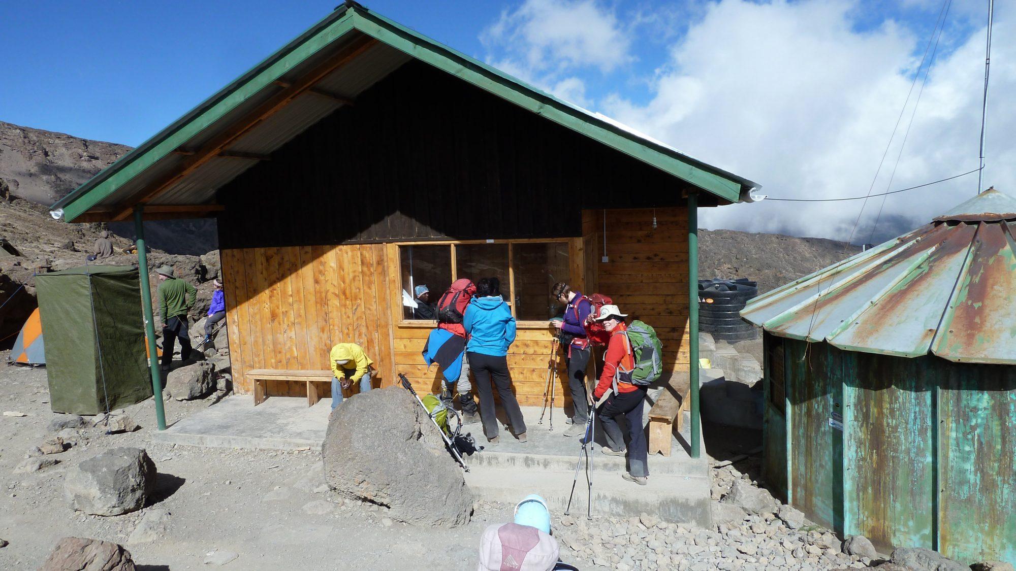 Barafu Camp Check-in, Kilimandscharo, Kilimandscharo besteigen, Tansania, Afrika, Kilimandscharo Tour, Erfahrungsbericht, Machame Route