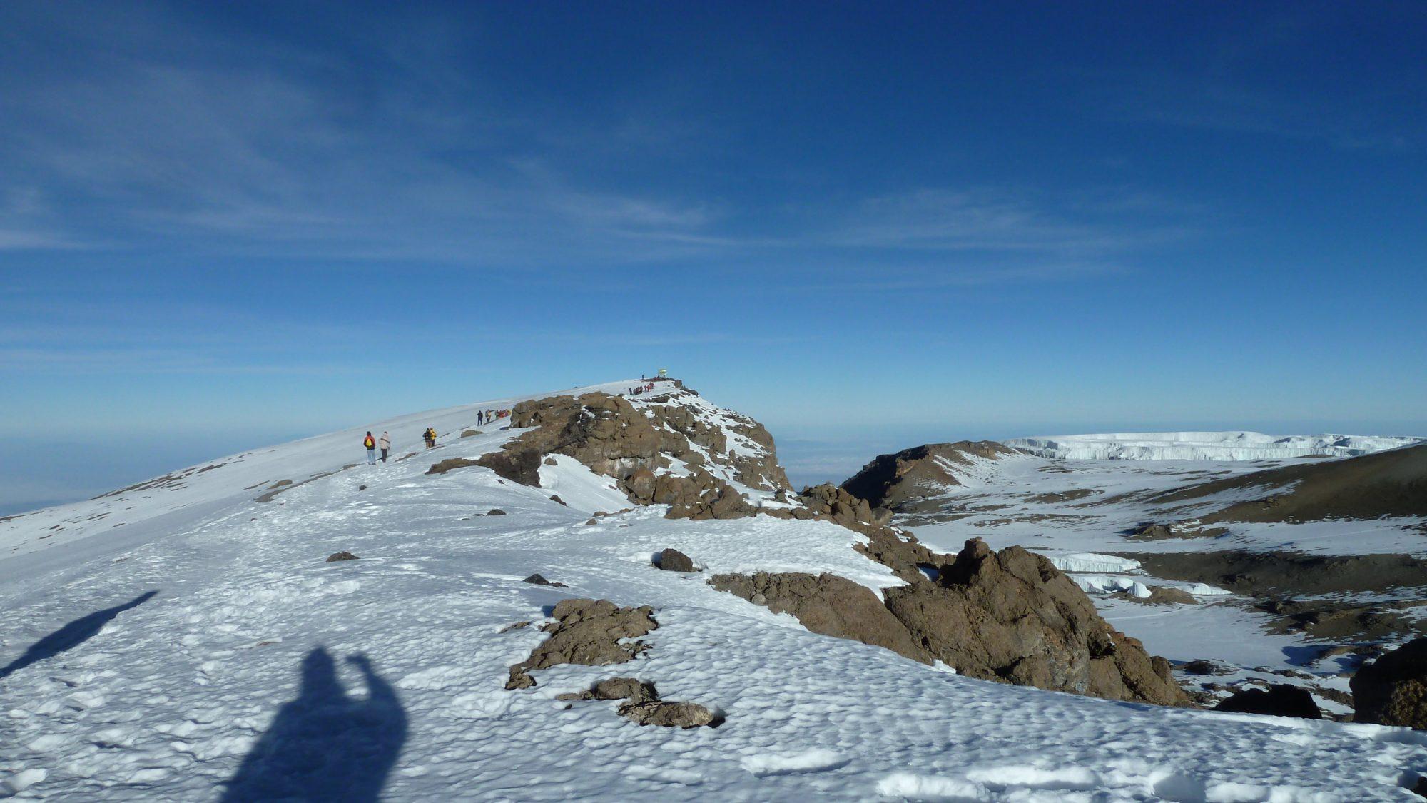die letzten Meter zum Gipfel des Kilimandscharo, Kilimandscharo besteigen, Tansania, Afrika, Kilimandscharo Tour, Erfahrungsbericht, Machame Route