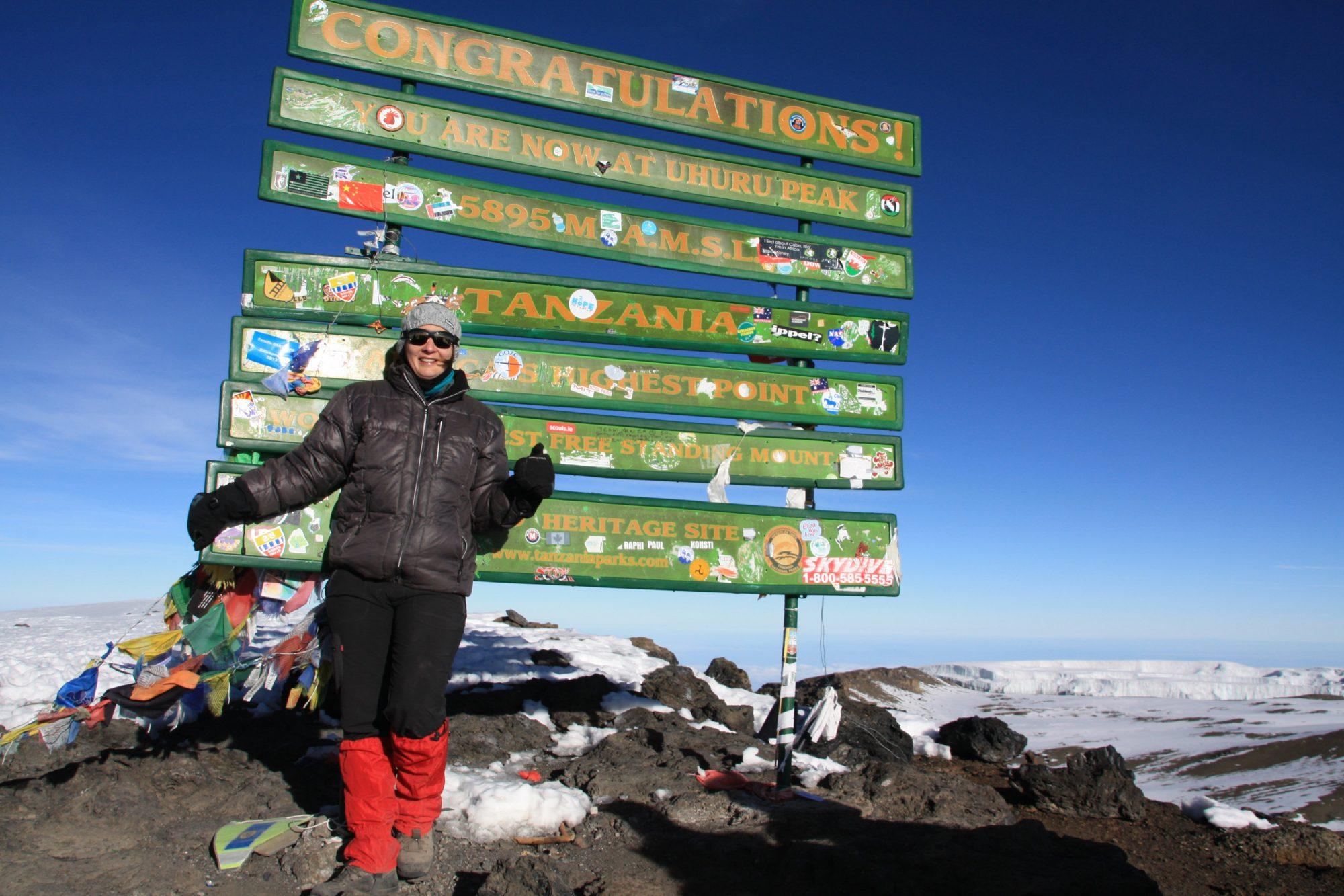 Uhuru Peak, Gipfelfoto, Kilimandscharo, Kilimandscharo besteigen, Tansania, Afrika, Kilimandscharo Tour, Erfahrungsbericht, Machame Route