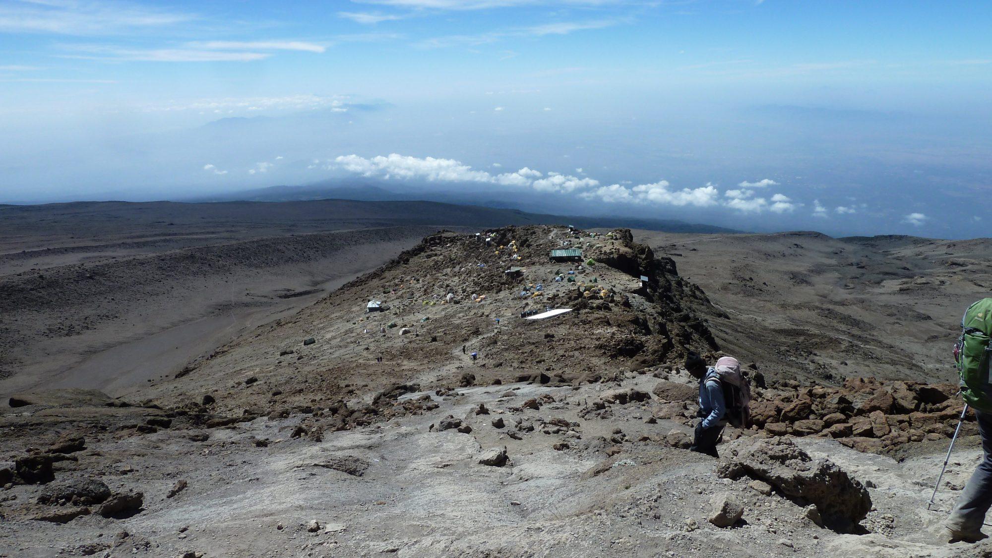 Abstieg zum Barafu Camp, Kilimandscharo, Kilimandscharo besteigen, Tansania, Afrika, Kilimandscharo Tour, Erfahrungsbericht, Machame Route