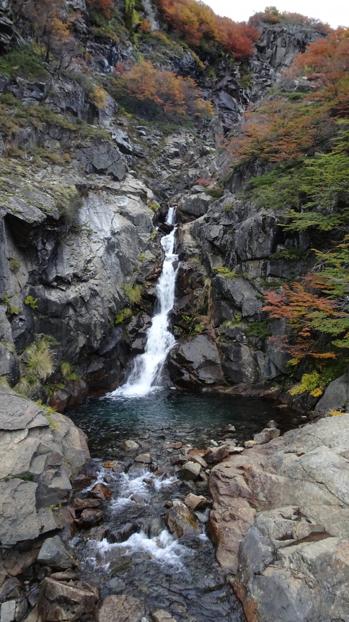 Fjella Bariloche Nahuel-Huapi Traverse Wanderung Wanderroute Refugio Jacob Colonia Suiza Refugio Laguna Negra Patagonien Argentinische Schweiz Wasserfall