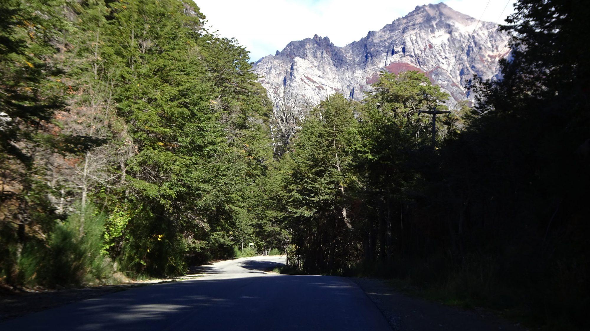 Fjella Bariloche Straße Fahrradtour Ausflug Circuito Chico Fahrrad Patagonien Argentinische Schweiz