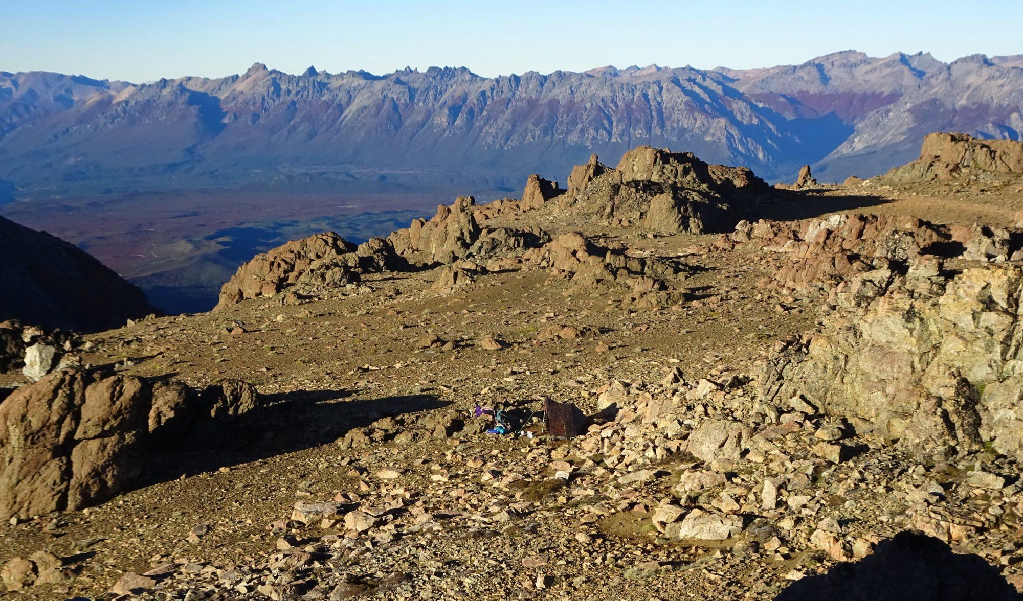 Fjella Zelten auf dem Gipfel El Bolson Wanderung Patagonien Warton Dedo Gordo Encanto Blanco Wanderroute Wandern