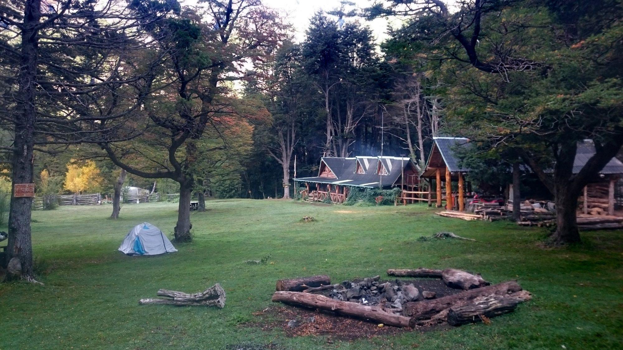 Fjella El Bolson El Retamal Hütte Wanderung Patagonien Warton Dedo Gordo Encanto Blanco Wanderroute Wandern