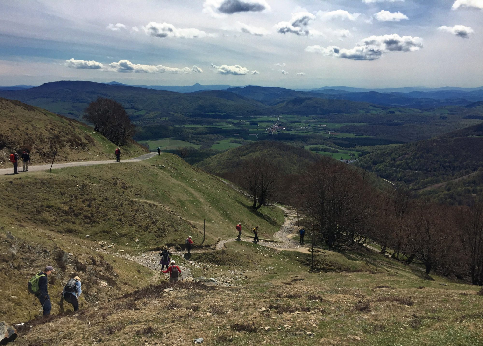 Wanderwege auf dem Ibaneta Pass, Camino Francés, Wandern, Wandertour, Pilgern, Jakobsweg, Pyrenäeen, Frankreich, Spanien