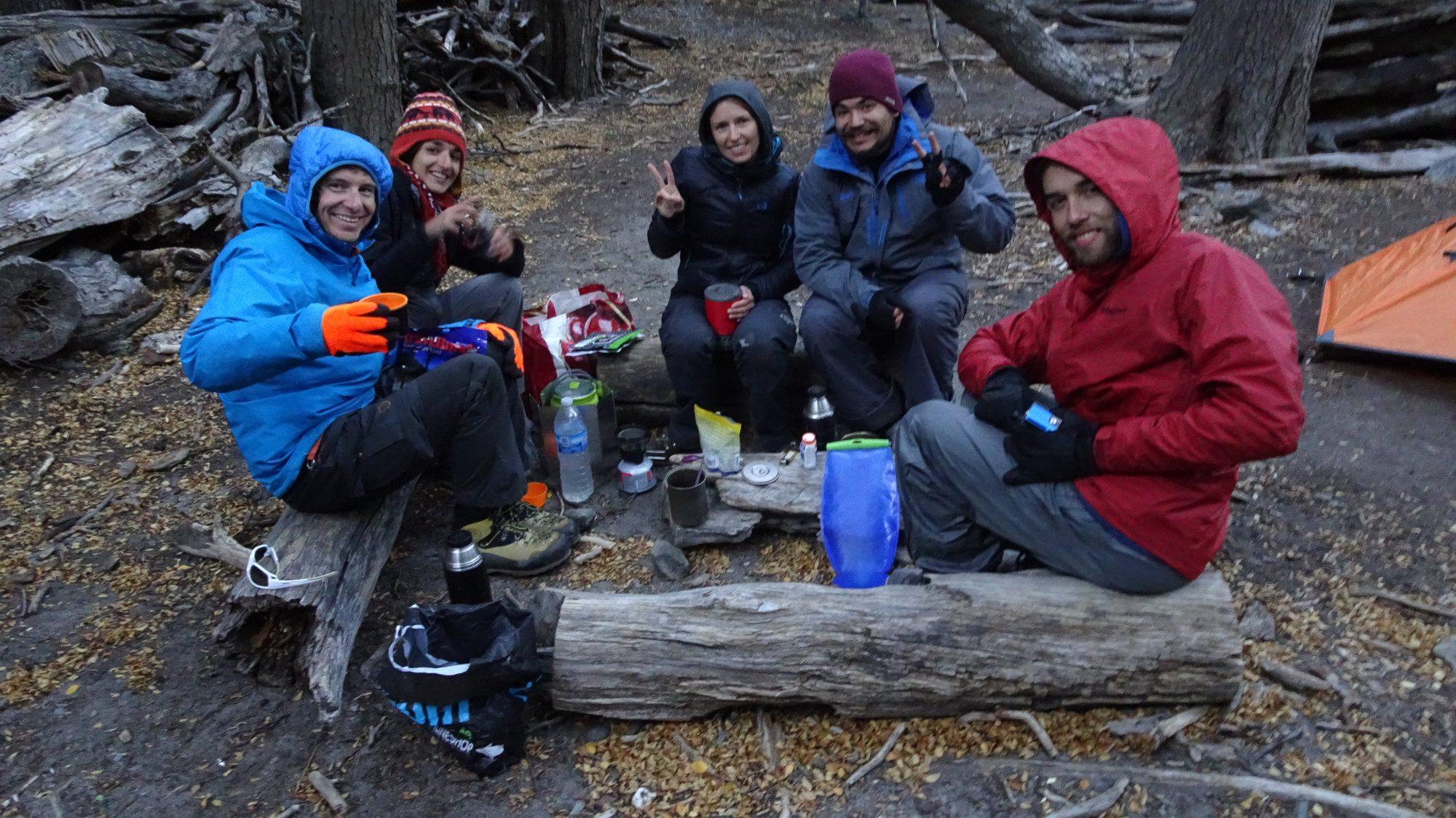 Abendessen auf dem Huemul Circuit, El Chaltén, Patagonien, Argentinien, Wanderung, Trekking