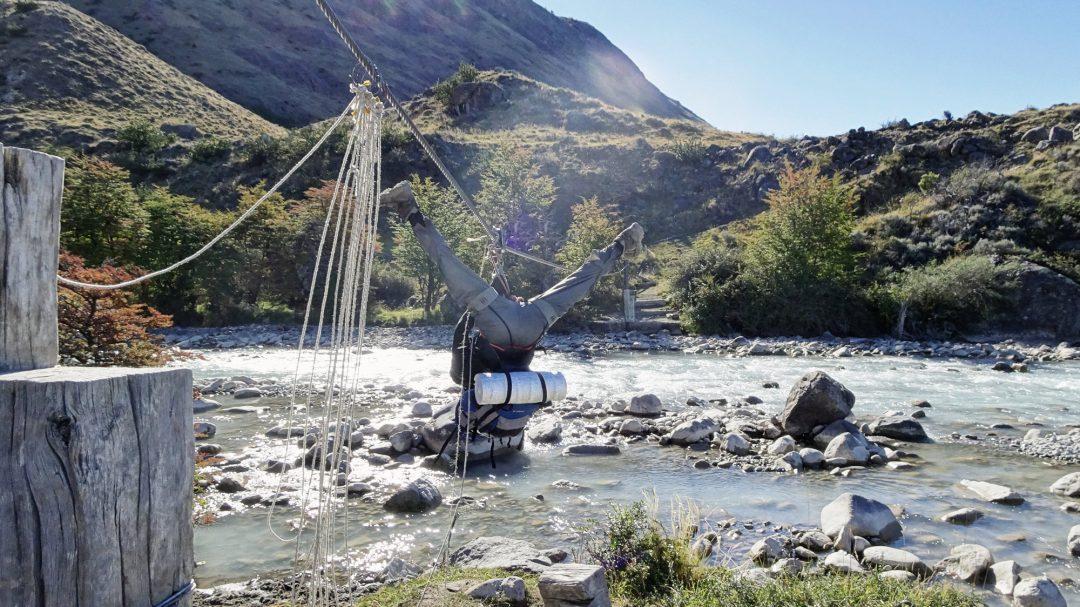 Seilrutsche auf dem Huemul Circuit, Tirolesa, Zipline,, El Chaltén, Patagonien, Argentinien, Wanderung, Trekking