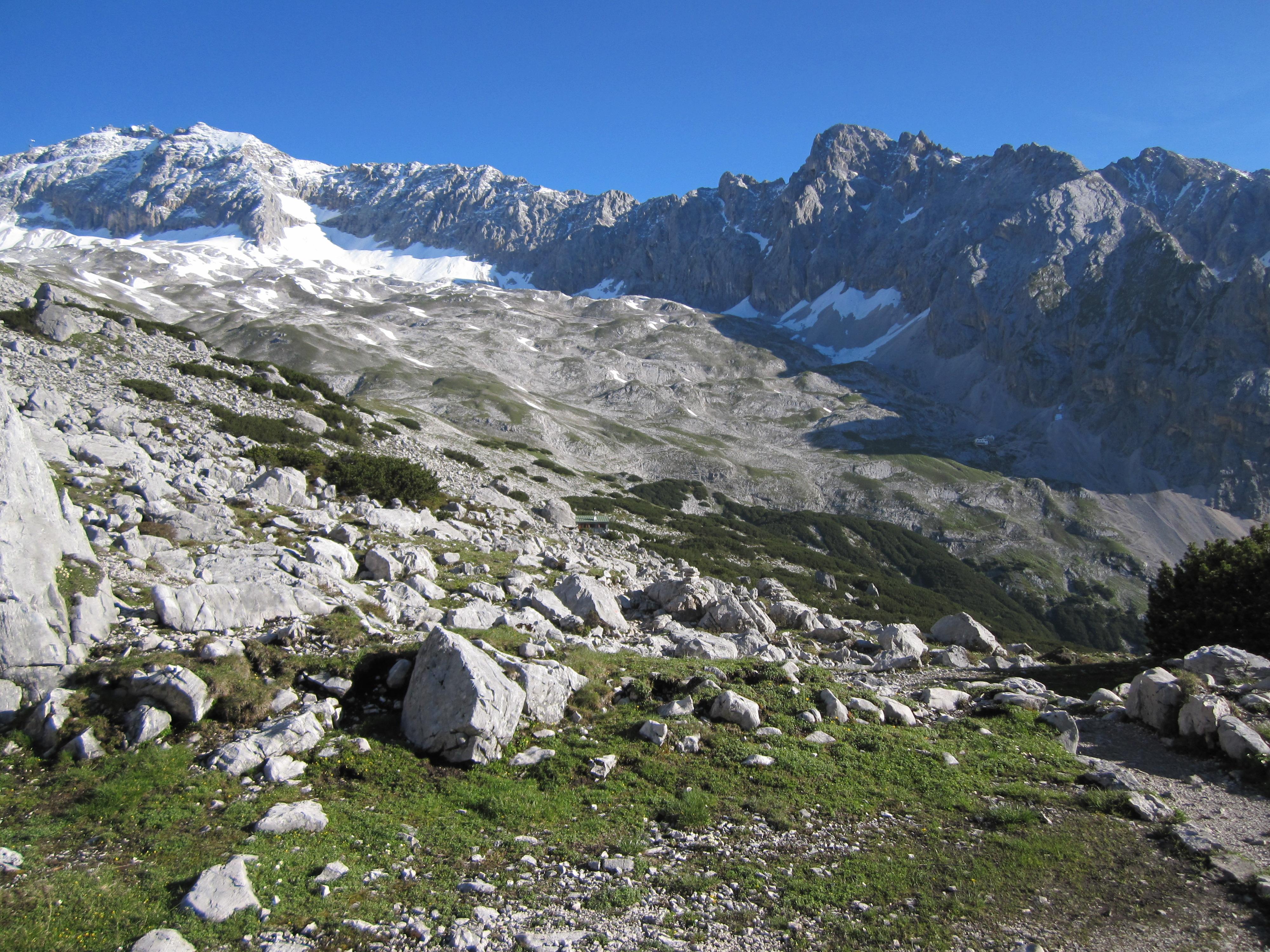 Blick zurück auf die Zugspitze, Durchs Reintal auf die Zugspitze Hüttentour Fjella