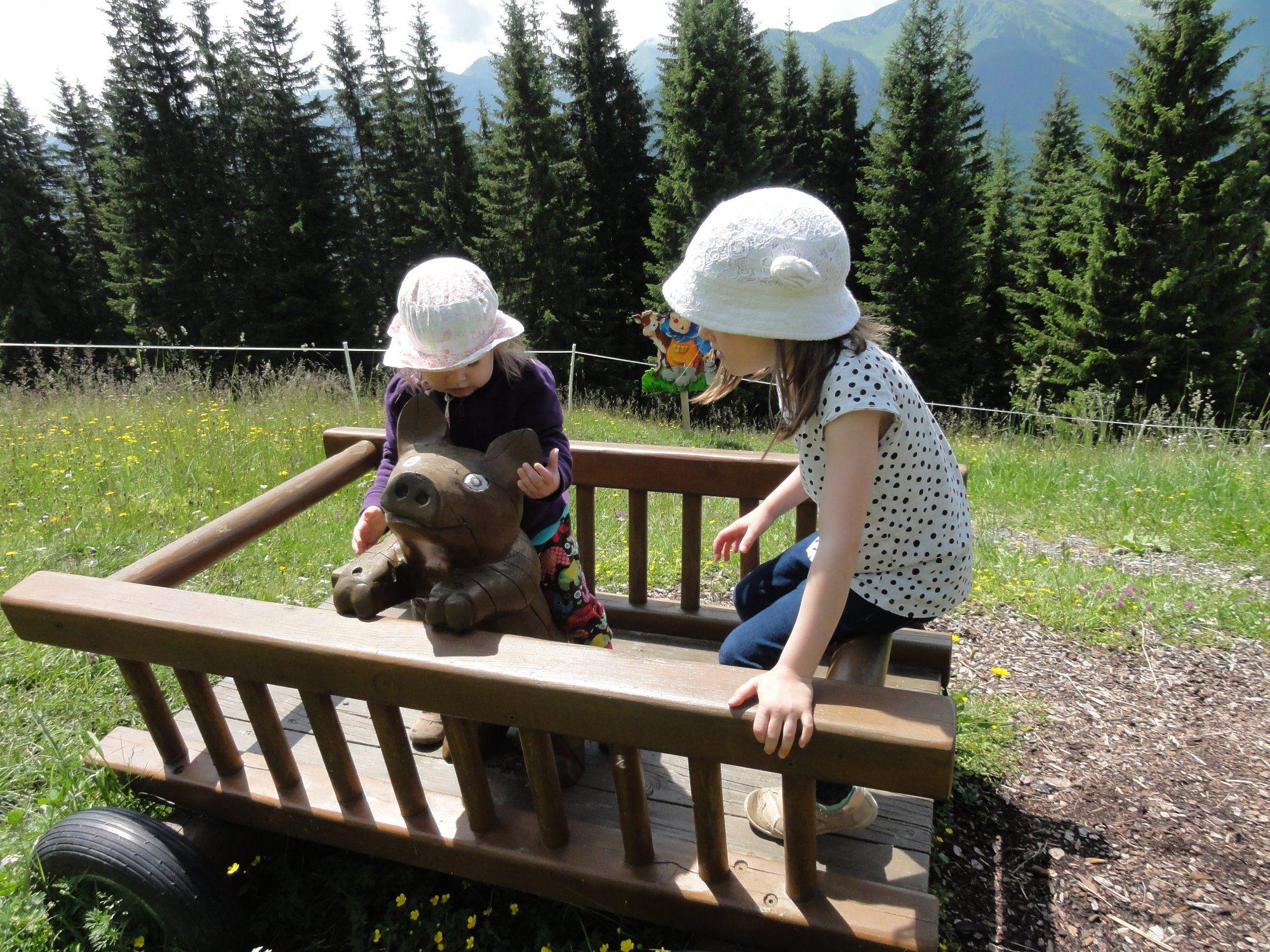 Montelino's Erlebnisweg - Spielstation Bauernhof