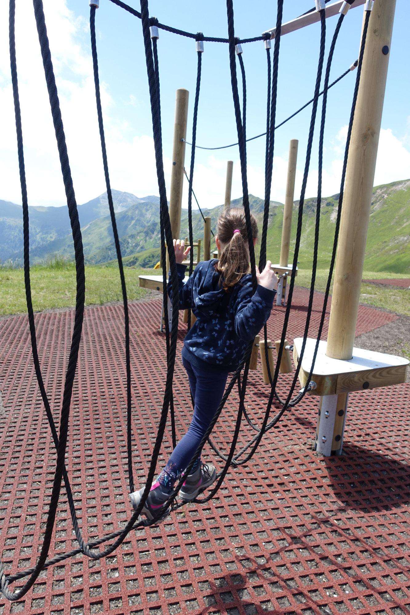 Klettern auf dem Schattberg-Spielplatz