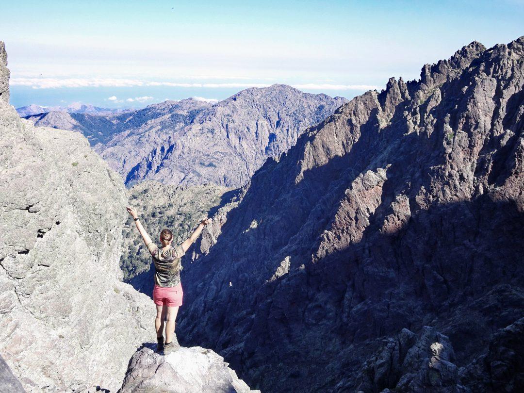 Gigantischer Blick in den Cirque de Solitude, Korsika, GR20 Weitwanderweg, Wandern, Berge, Frankreich