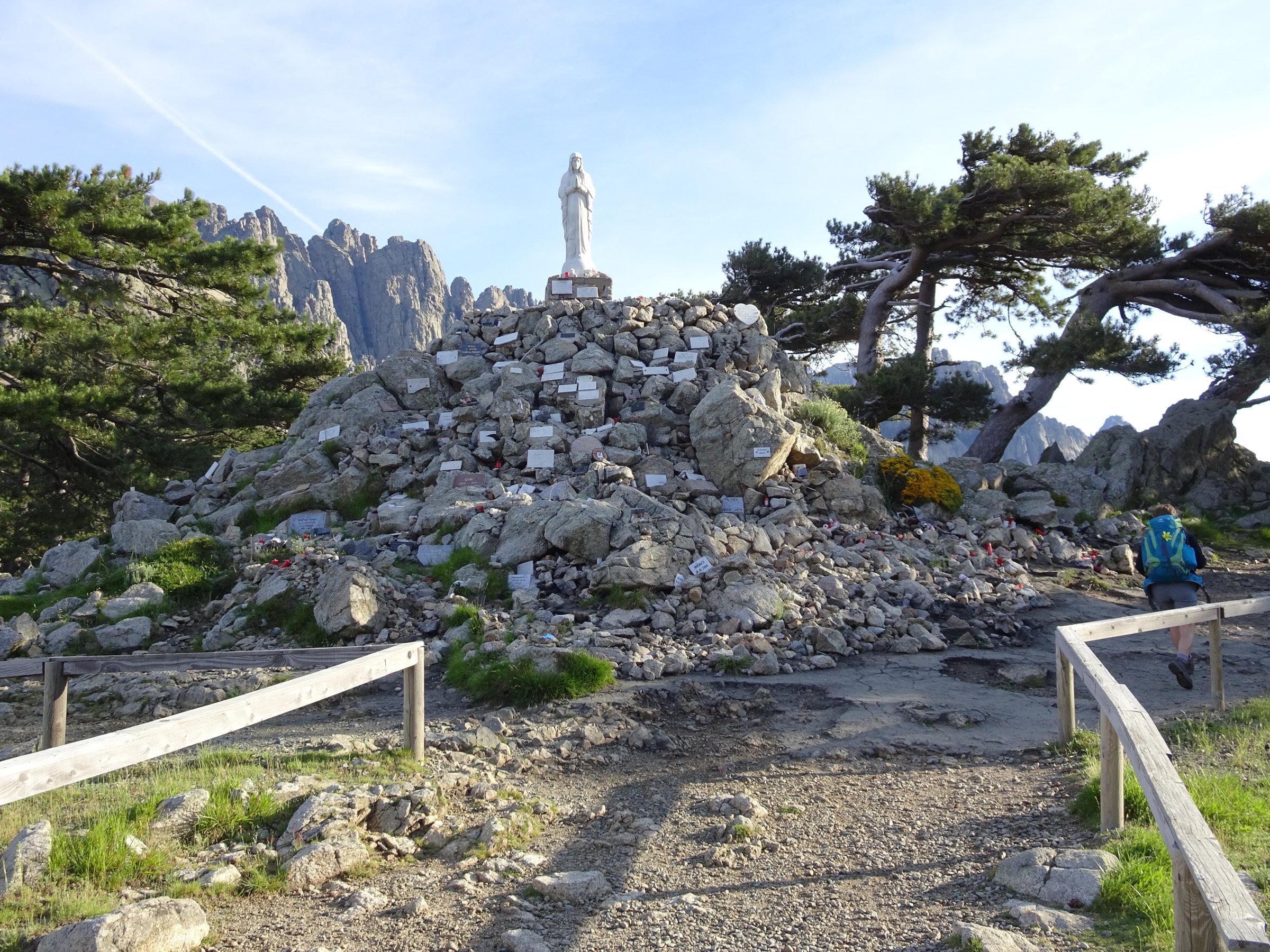 Madonna delle Neve - die Schneemadonna am Col de Bavella, Korsika, GR20 Weitwanderweg, Wandern, Berge, Frankreich