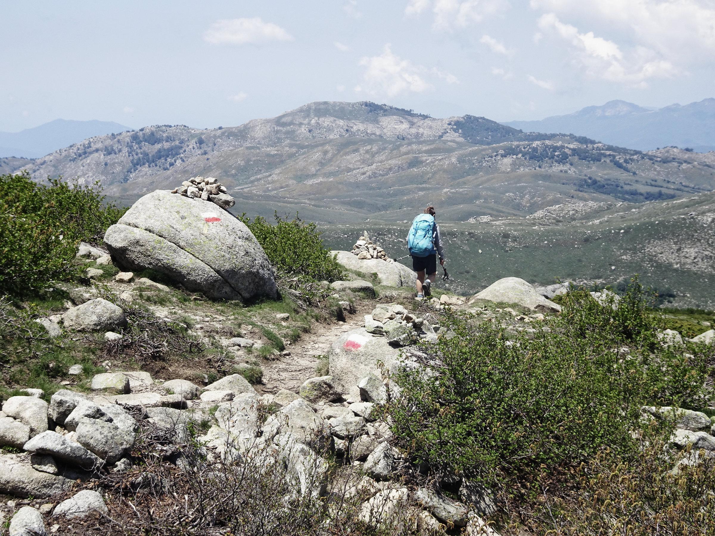 Abstieg vom Monte Incudine, Korsika, GR20 Weitwanderweg, Wandern, Berge, Frankreich