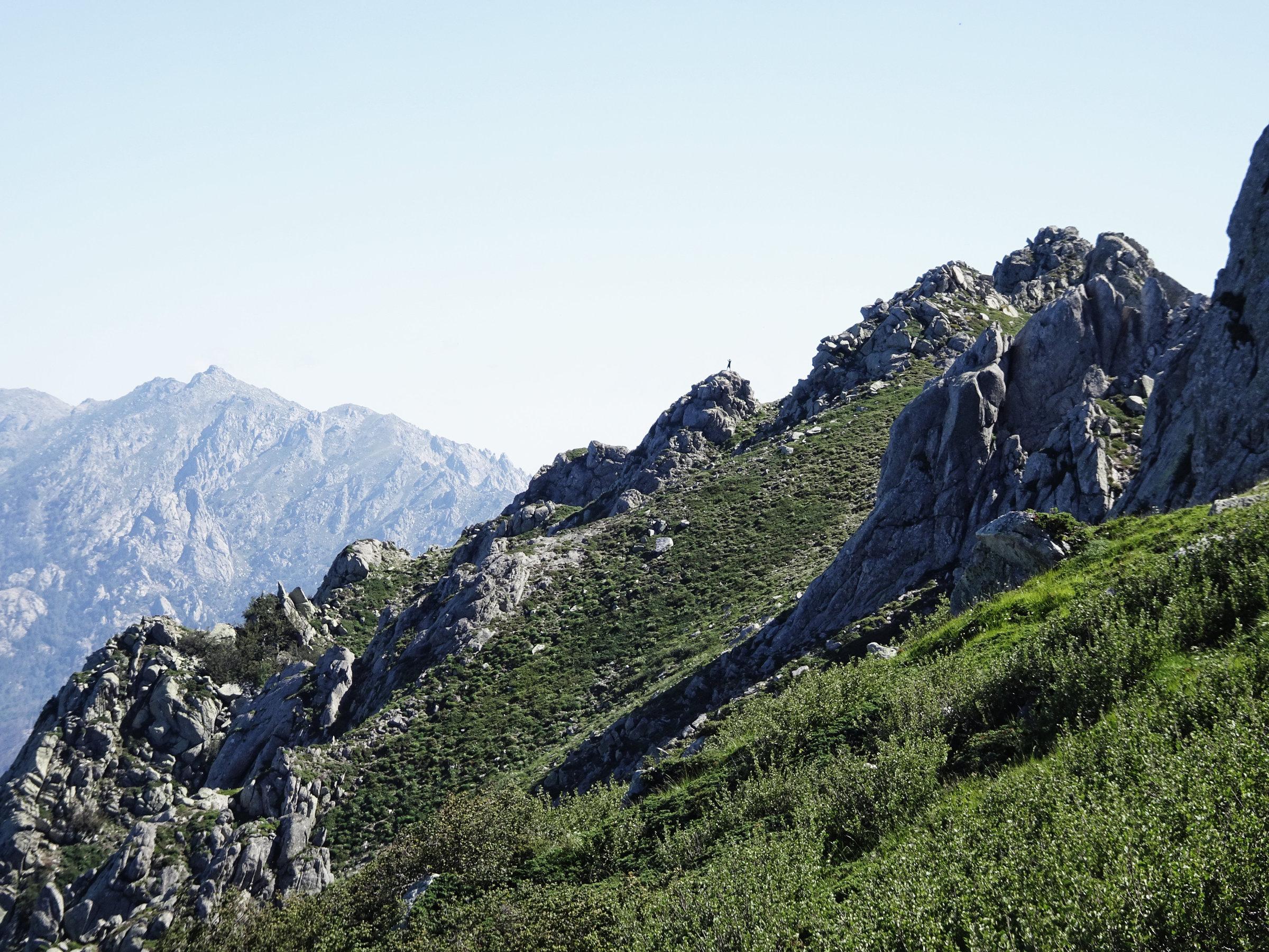 Gratwanderung am Denkmalsgrat, Korsika, GR20 Weitwanderweg, Wandern, Berge, Frankreich