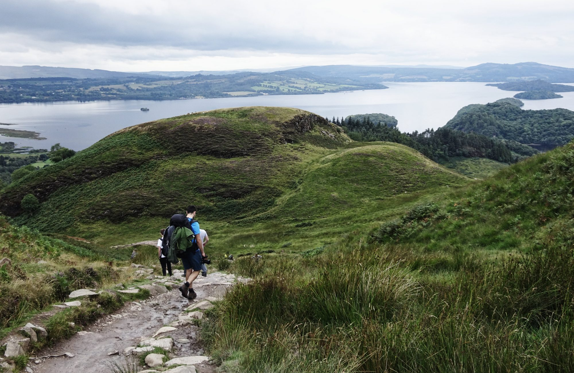 Abstieg vom Conic Hill, West Highland Way, Schottland, Wanderung, Weitwandern, Trekking, Highlands