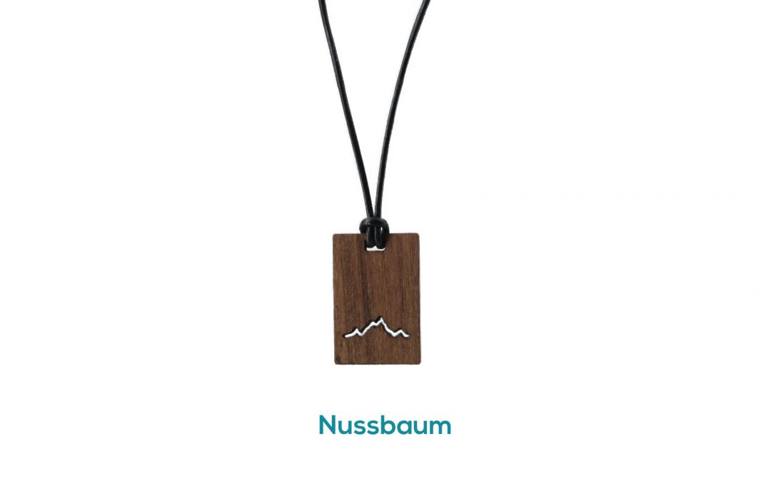 Fjella Karree Holzkette Alpenblick Nussbaum