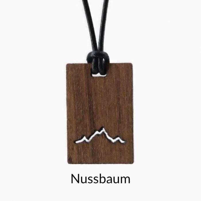 Karree Holzkette Alpenblick Nussbaum Beschriftet Freigestellt Webseite 2020