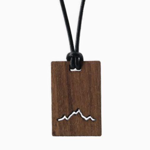 Karree Holzkette Alpenblick Nussbaum Freigestellt Webseite 2020