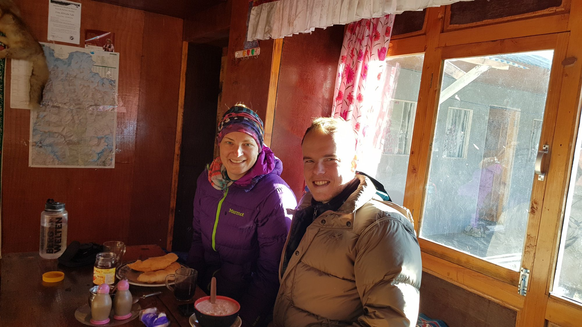 Frühstück auf dem Everest Base Camp Trek