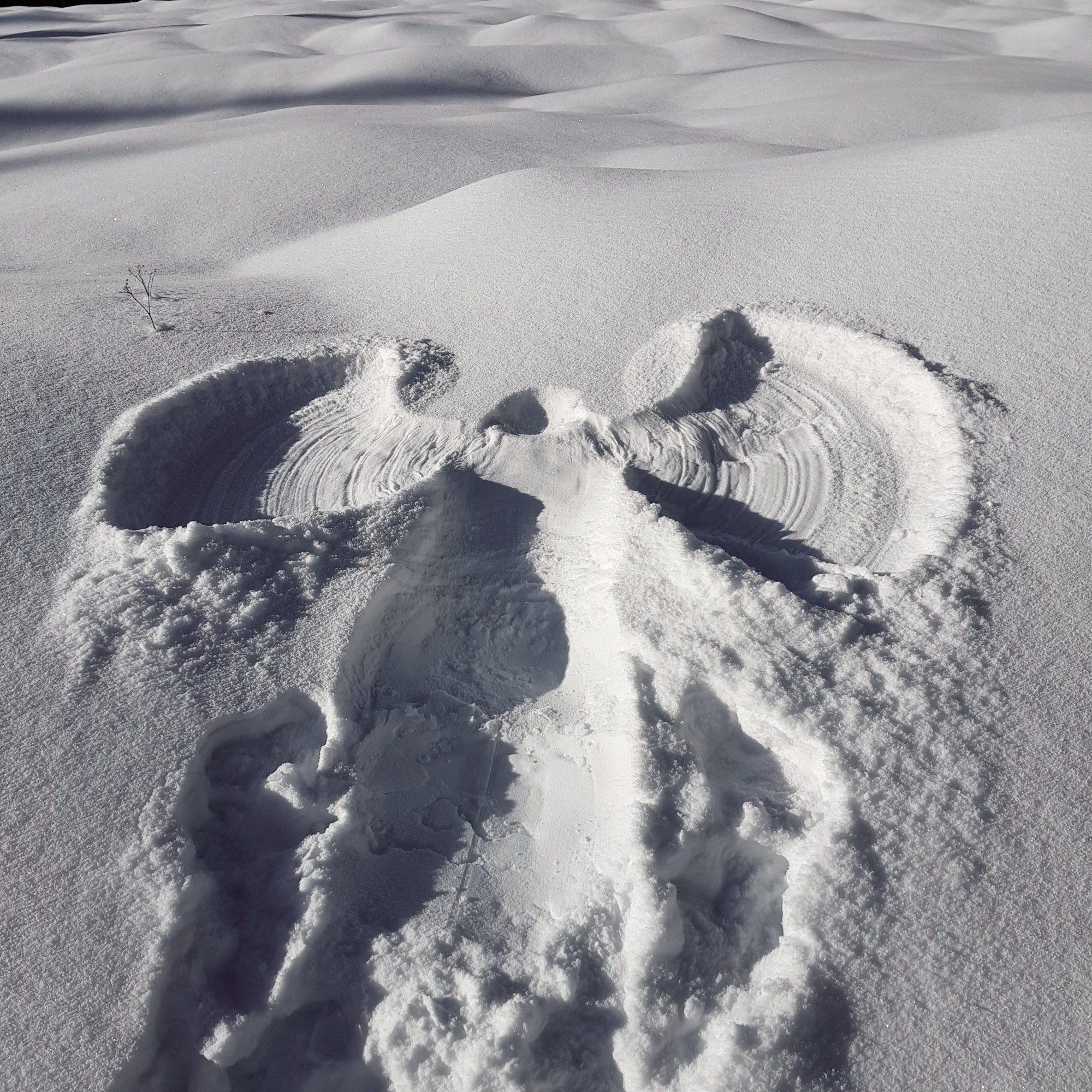 Schneeengel,  Winterwandern im Vogtland, Felsenweg, Grünbach