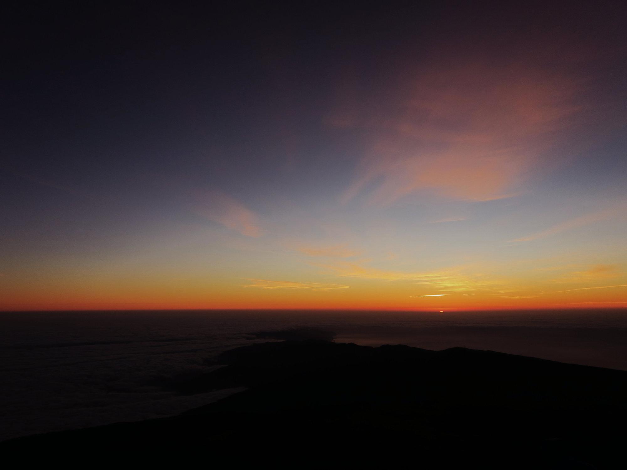 Sonnenaufgang vom Pico del Teide wie aus dem Bilderbuch