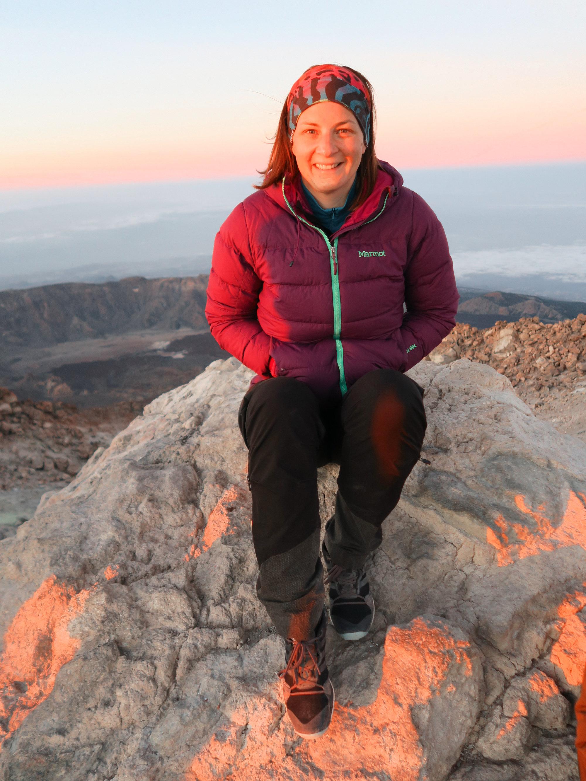 Bettina beim Sonnenaufgang vom Pico del Teide