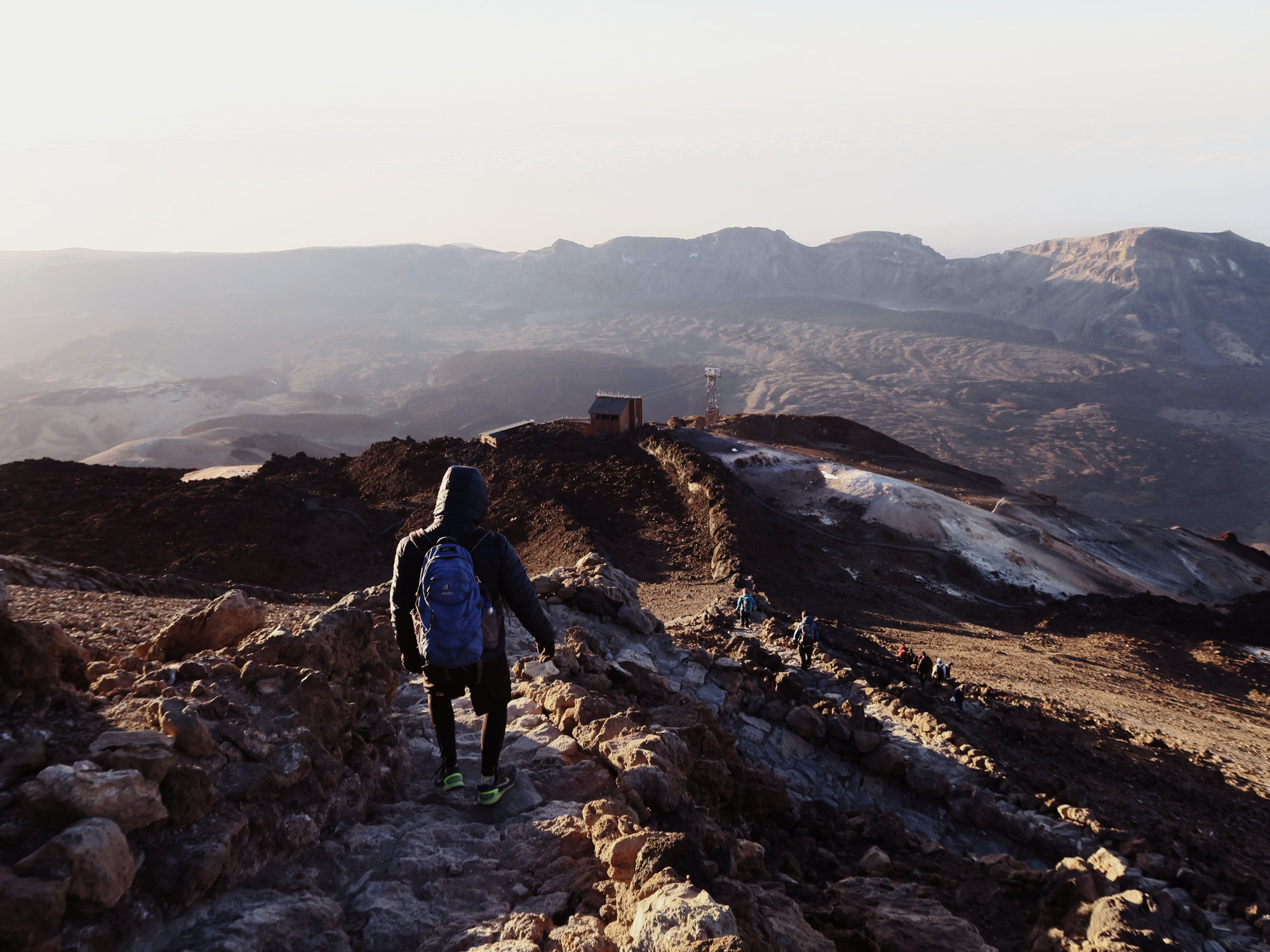 Wandern zur Seilbahn des Teide