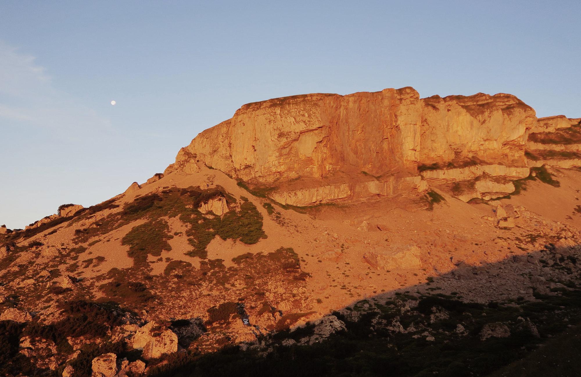 Alpenglühen am Hohen Ifen Wanderung zum Sonnenaufgang Kleinwalsertal