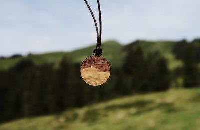 Riedberger Horn Holzkette Holzschmuck Kette Fjella CIPRA Alpenschutz