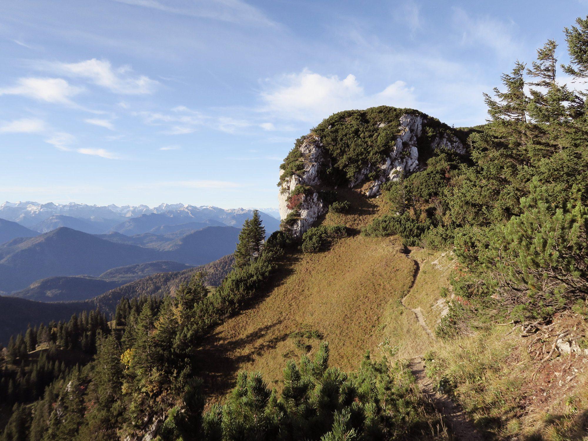 Gratwanderung über die Achselköpfe zur Benediktenwand - Goldene Herbstwanderung