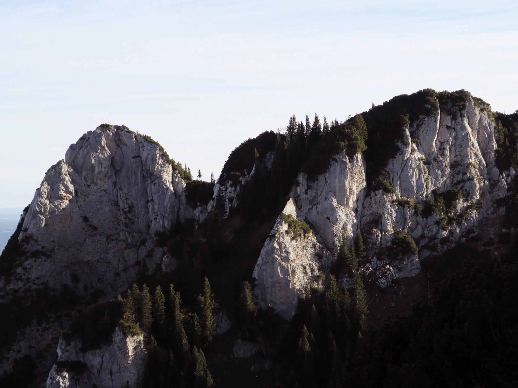 Blick zurück auf den Latschenkopf und den Kirchstein