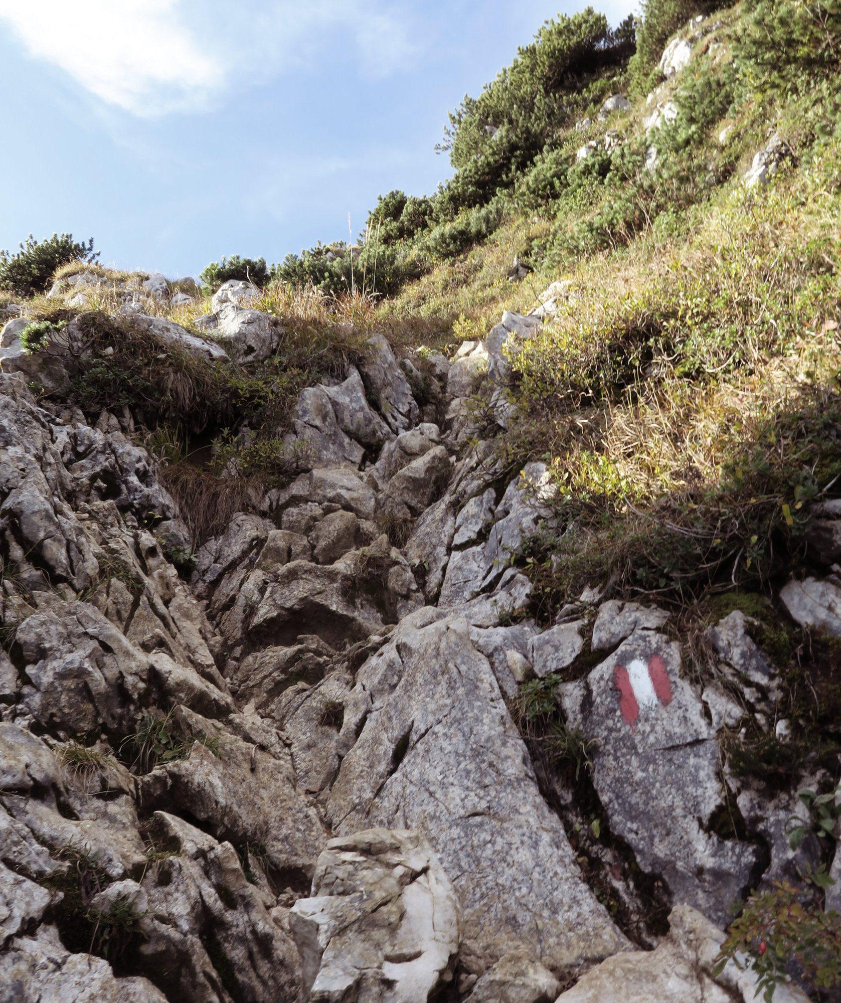 Kraxeln bei den Achselköpfen an der Benediktenwand