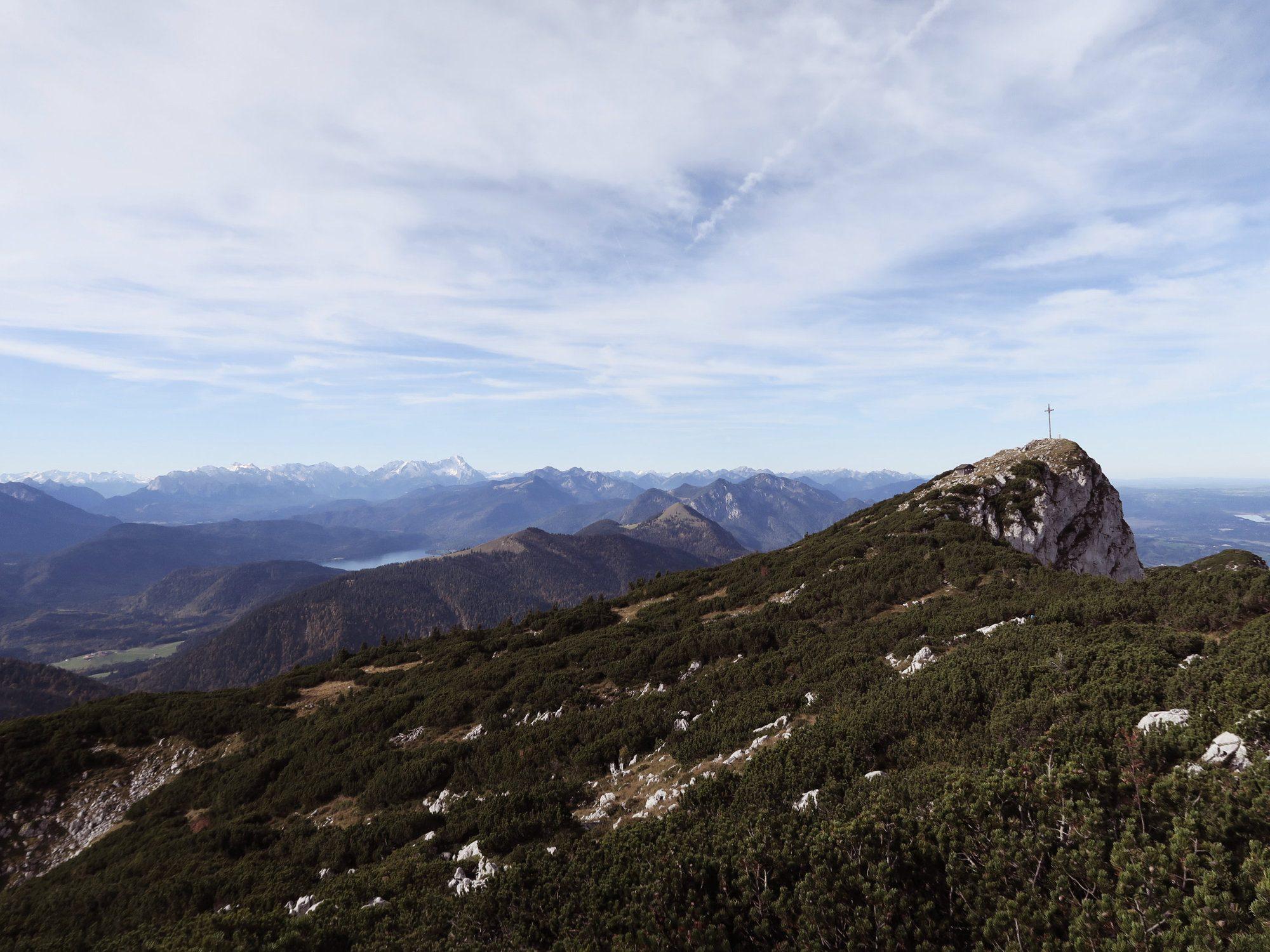 Gipfel der Benediktenwand mit Walchensee