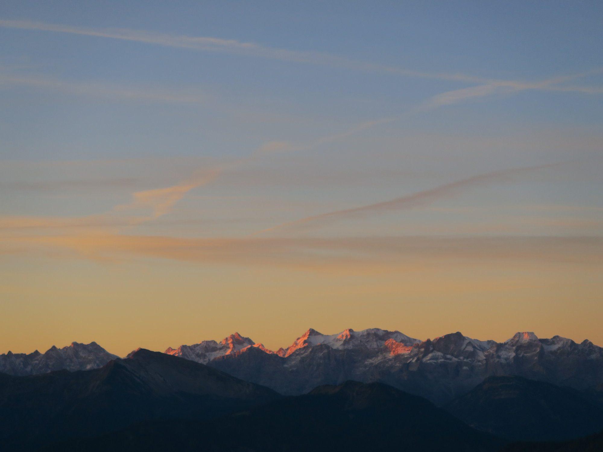Alpenglühen bei der Herbstwanderung Brauneck Fjella