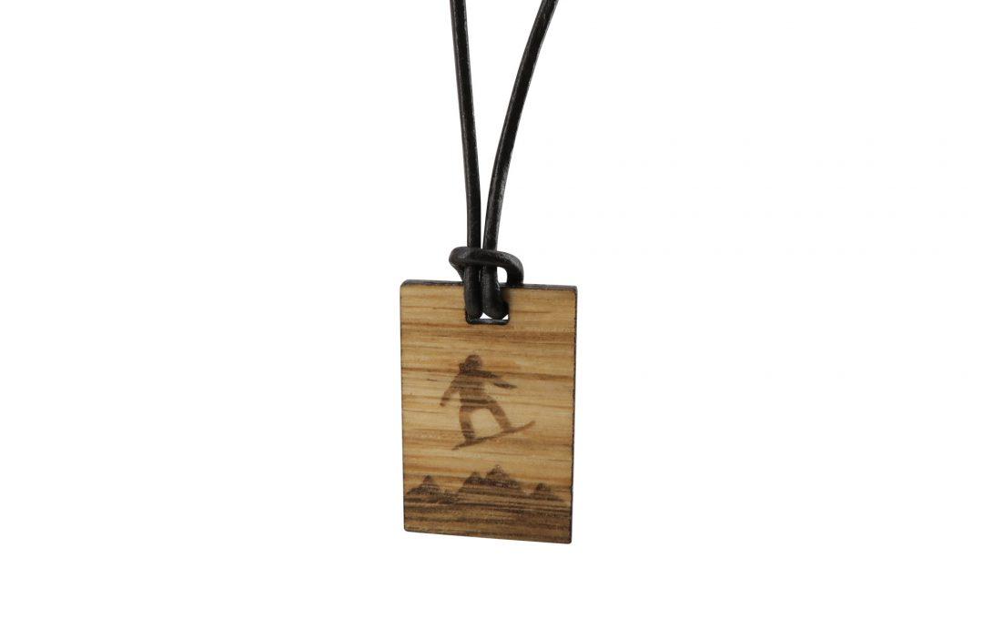 Fjella Holzkette Snowboarder